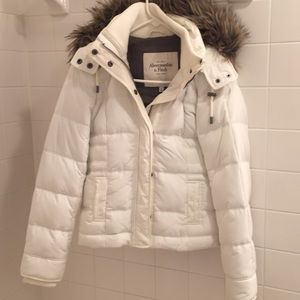 Down Jacket White with faux fur lined zip off hood